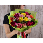 АКЦИЯ! 25 разноцветных роз в фетре