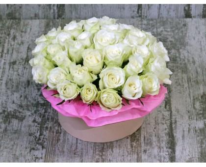 АКЦИЯ! Шляпная коробка из 35 кенийских роз